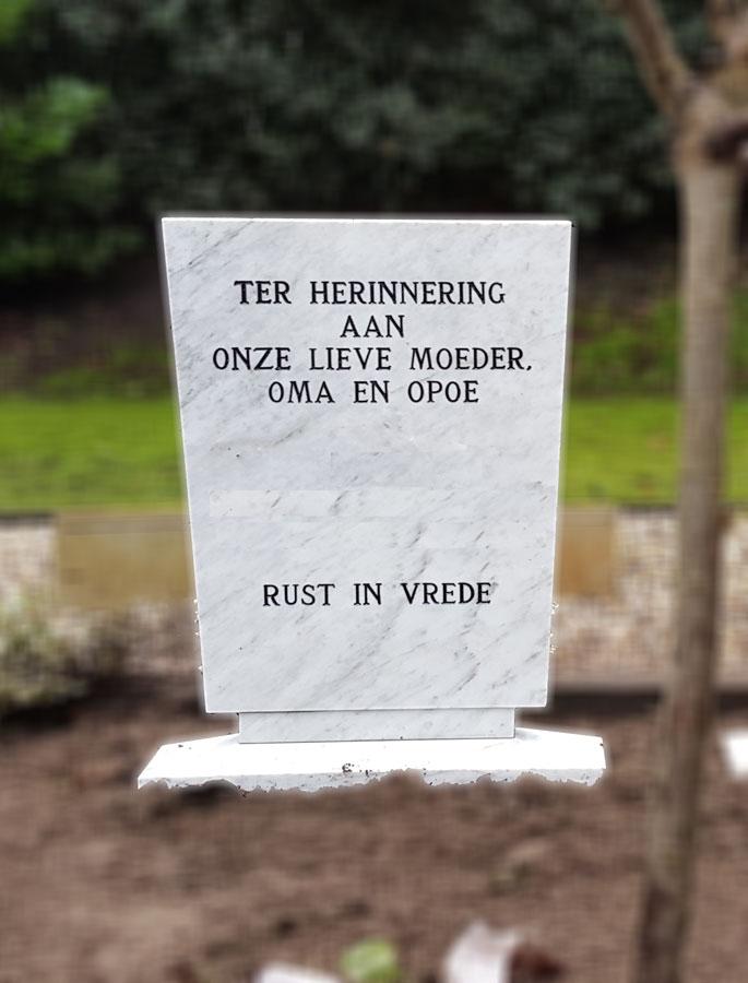 Klassieke witte grafsteen Roosendaal