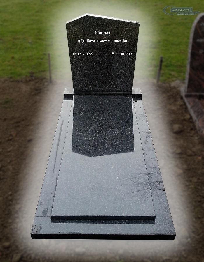 grafsteen met omranding Goes