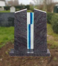 grafsteen met glasplaatje