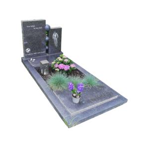 bijzondere-grafsteen-met-zuilen-ruw-afgehakt-impala-graniet