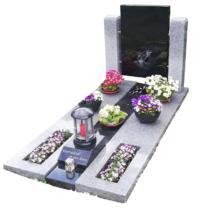 bijzondere-grafsteen-met-zuilen-zwart-graniet